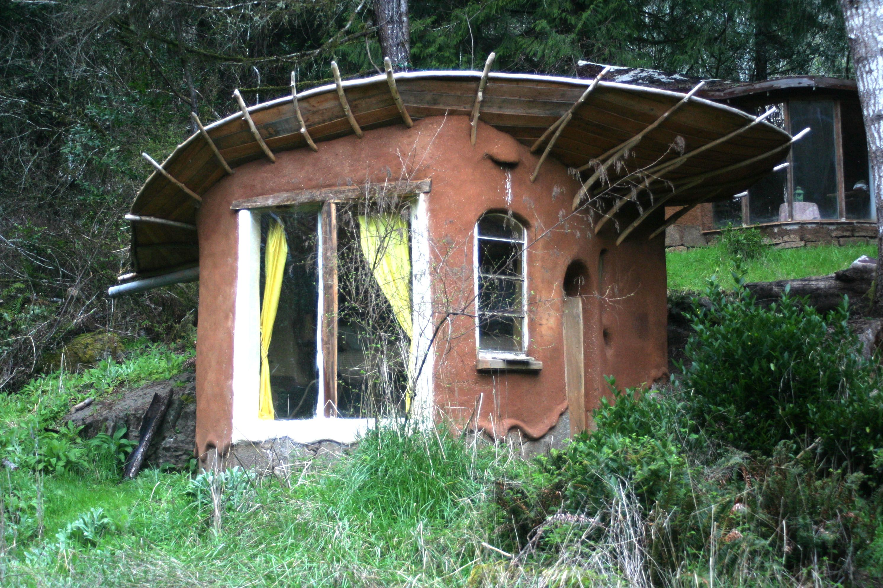 Natural building natural living school - The cob house the beauty of simplicity ...